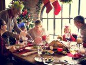 Mobilen skal væk under julemiddagen, mener de fleste danskere - især hvis der uploades billeder til sociale medier.